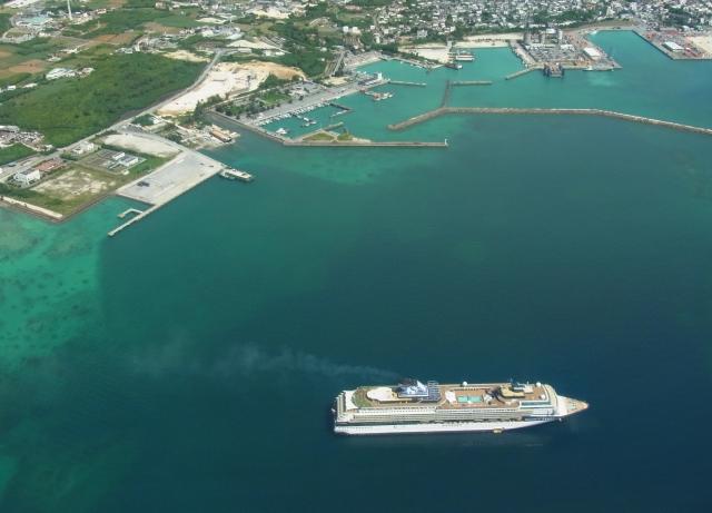 離島への船での輸送