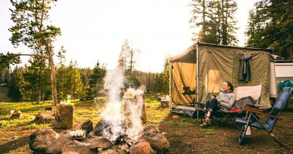 キャンプ場の受付